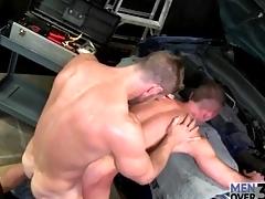 Top gets sweaty fucking his penny-pinching gay ass