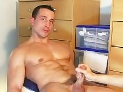 A so handsome straight guy get wanked his Brobdingnagian cock by a guy !