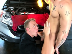 Now that this guy's car is fixed, he gluteus maximus thank the mechanic with a blowjob