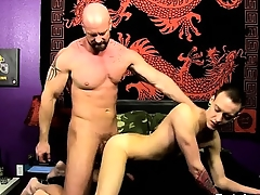 Gay movie He glides his man-meat into Chris\' tight hole, pou