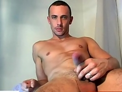 Soreness dig up guy getting wanked by a gay guy