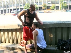 Sexy bodybuilder allows his friend at hand express regrets blowjob on the private road