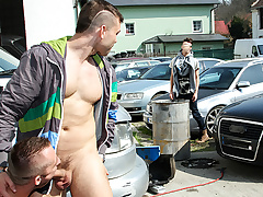 Muscle Man Fucked Down The Ass Down Public - OutInPublic