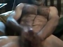 Str8 daddy uses little dildo for a muff