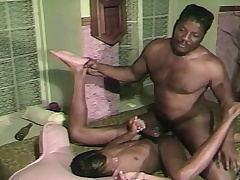 Two black gays chew on their meat and slam it up the asshole