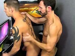 Twinks XXX Bryan Slater Throw a spanner into the works Jerking