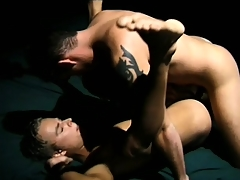 Horny gay dude spreads his legs give enjoy the bottomless gulf anal penetration