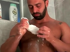 Bear with gorgeous body showers in erotic porn