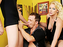 Blond's BF Likes At hand Engulf Dick! This Chab Wants A Trio On touching A Stud!