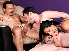 XXX Diva Can't Live Without To Watch Her Timber Getting A XXX BJ From A Fellow