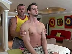 Diverting jock engulfing and wild tugjob for hawt gay hunk