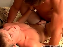 Young peaches fucked by a hot top and cumming