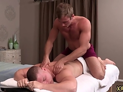 Tattooed hunk dude Blake keeps Brodie relaxed apart from giving him a perfect body massage. Blake tries Brodie hard cock on his throat.