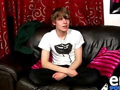 Scottish twink Tease Frey convulsive on cam for the first time