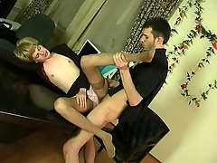 Kinky sissy defy obtaining hither to frantic ass-fucking thrill hither the berth