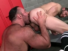 Thick submit to licks and fucks a guy from break