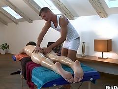 Nasty guy fucking his friend surcease nice friendly massage, appreciate