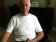 Comely dude is frigging handy home and memorializing himself on web cam